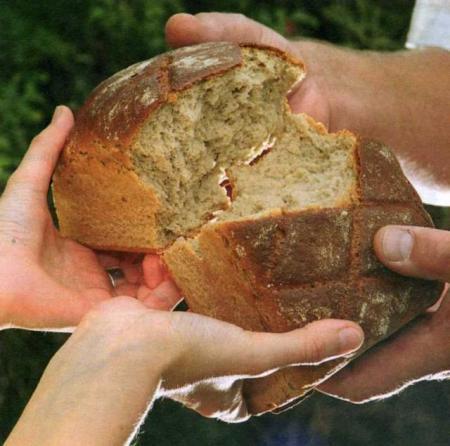Brot brechen 02 klein.preview