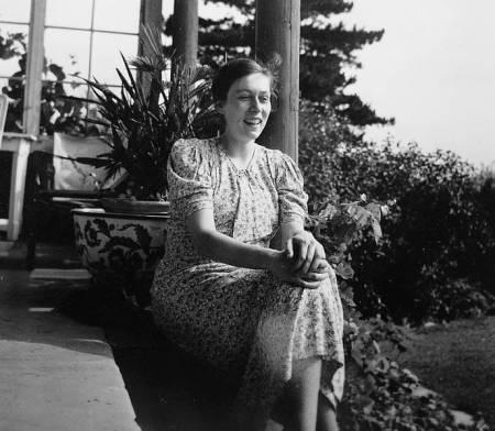 Freya Gräfin von Moltke 1932 in Kreisau