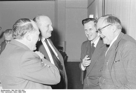 Iwand mit Karl Barth 1956 auf der Jahrestagung der Evangelischen Gesellschaft in Wuppertal