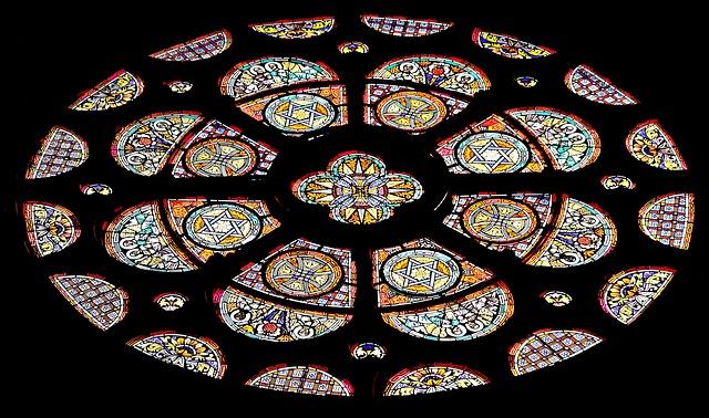 church-window-1843900_640