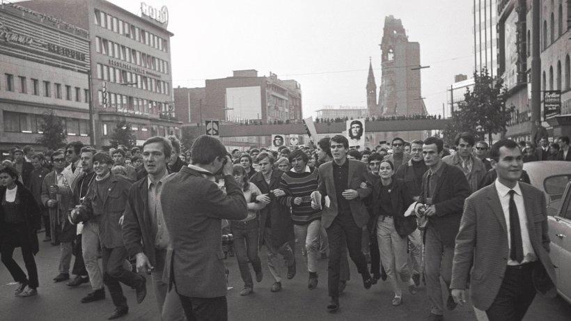studenten-demonstrieren-am-21