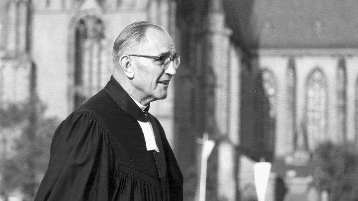 Martin Niemöller auf dem Deutschen Evangelischen Kirchentag 1956 in Frankfurt am Main