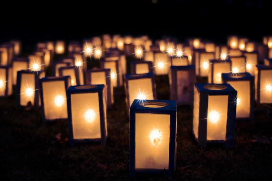 lights-1088141_1280